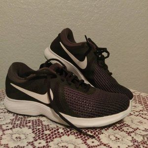 Nike Tennis Shoes Black Size 9 MENS